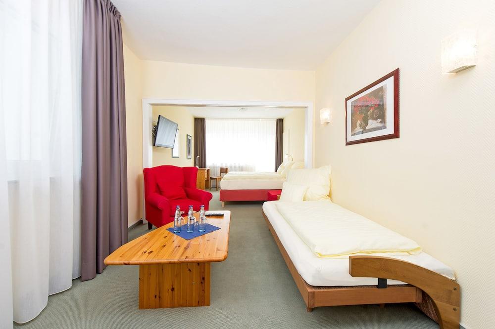 Junior Suite, Park View - Balcony