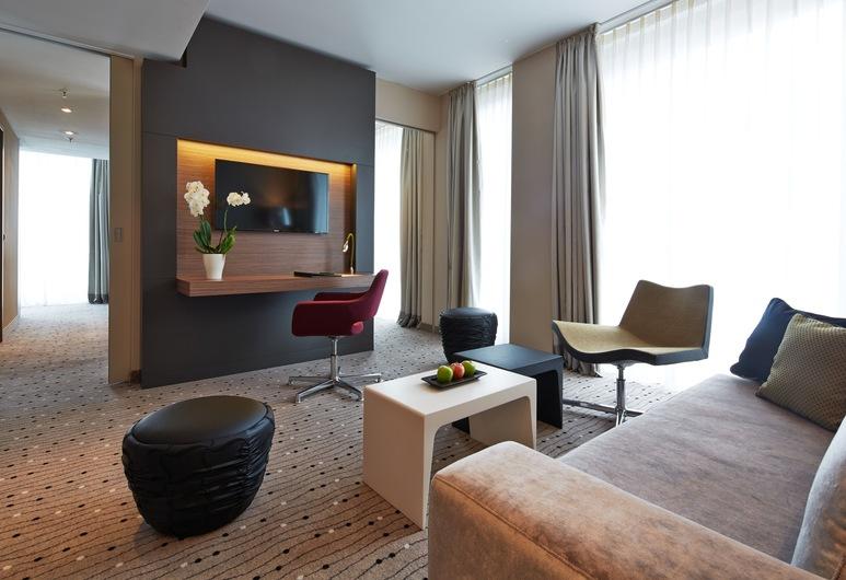 Steigenberger Hotel Am Kanzleramt, Берлин, Люкс, Зона гостиной
