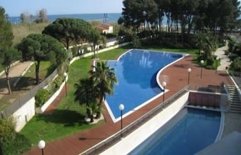 Enter your dates to get the Cambrils hotel deal