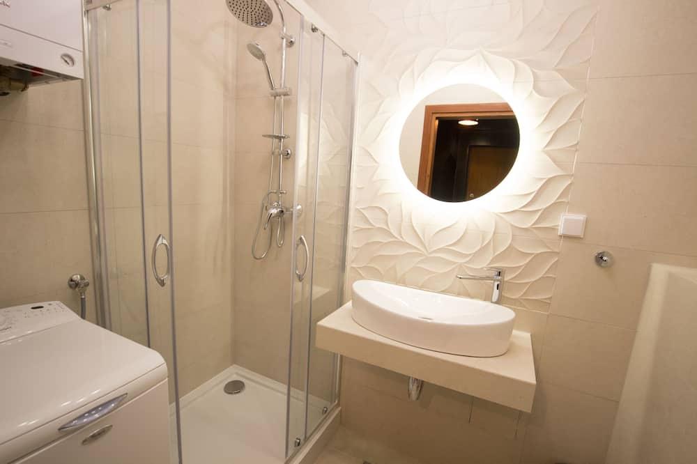 Deluxe Apartment, 2 Bedrooms (Gold) - Bathroom
