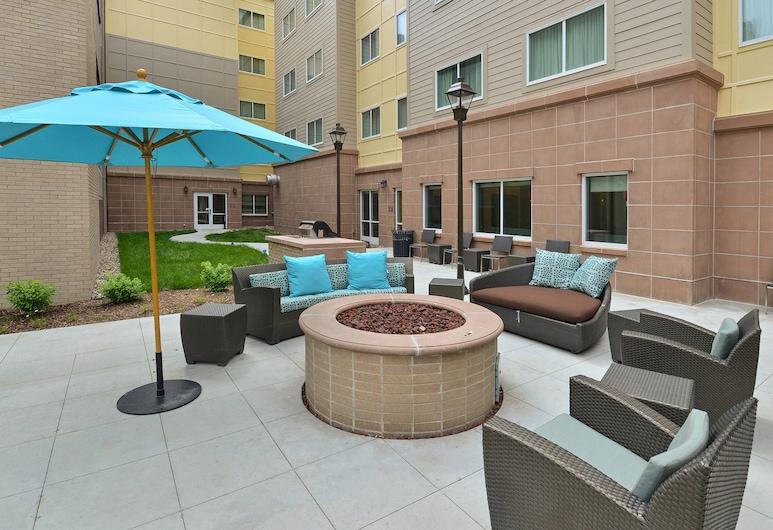 Residence Inn Des Moines Downtown, Des Moines, Terrace/Patio
