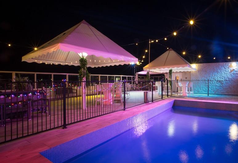 格萊斯頓礁石汽車旅館, 格拉斯頓, 室外游泳池