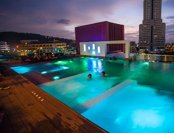 Foto del SLEEP WITH ME HOTEL design hotel @ patong en Patong