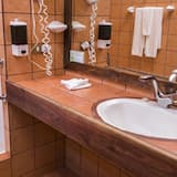 Phòng đôi Junior - Phòng tắm