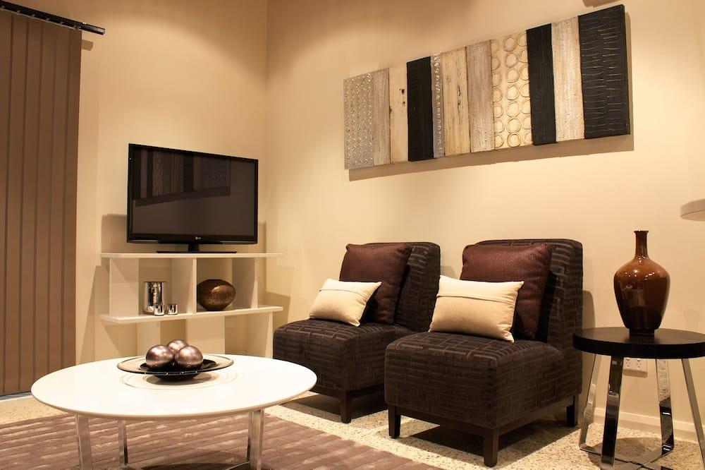 Standard Apartment, Non Smoking, Kitchen (1 bedroom Apartment) - Living Area