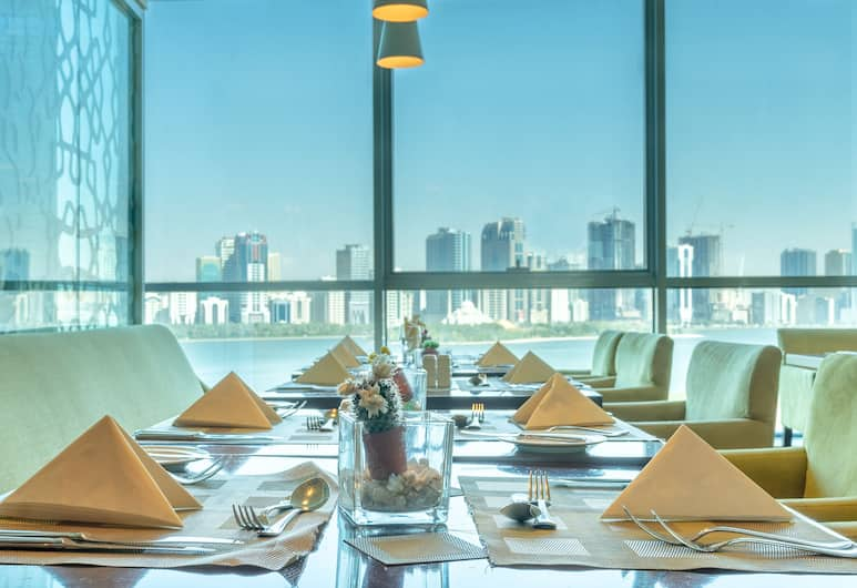 Copthorne Hotel Sharjah, Sharjah, Restaurang
