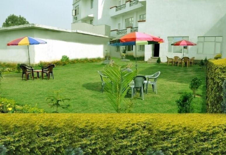 Hotel Maa Saraswati, Katra, Property Grounds