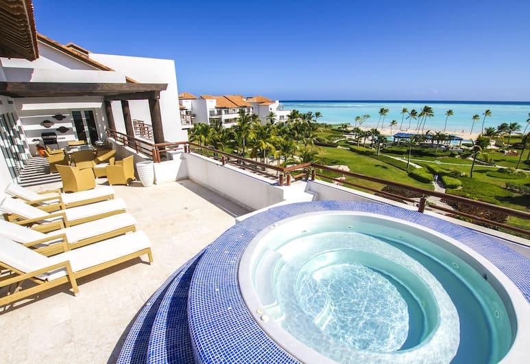 Punta Palmera Cap Cana by Essenza Retreats, Punta Cana, 3-Bedroom Apartment With Ocean View, Αίθριο/βεράντα