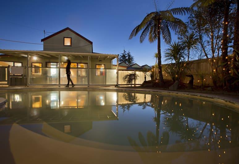 The Backyard Inn, Rotorua, Buitenkant