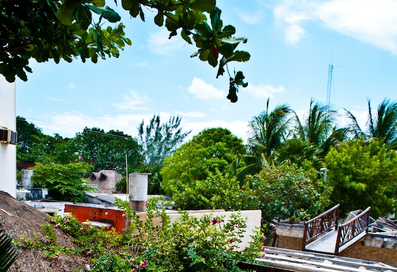 艾爾莫洛飯店, 莫雷洛斯港, 室外游泳池