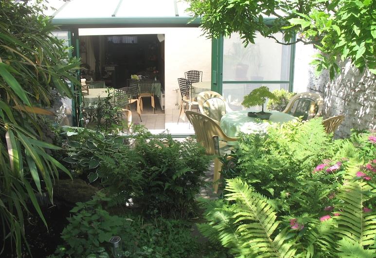 B&B Het Wit Beertje, Bruges, Garden