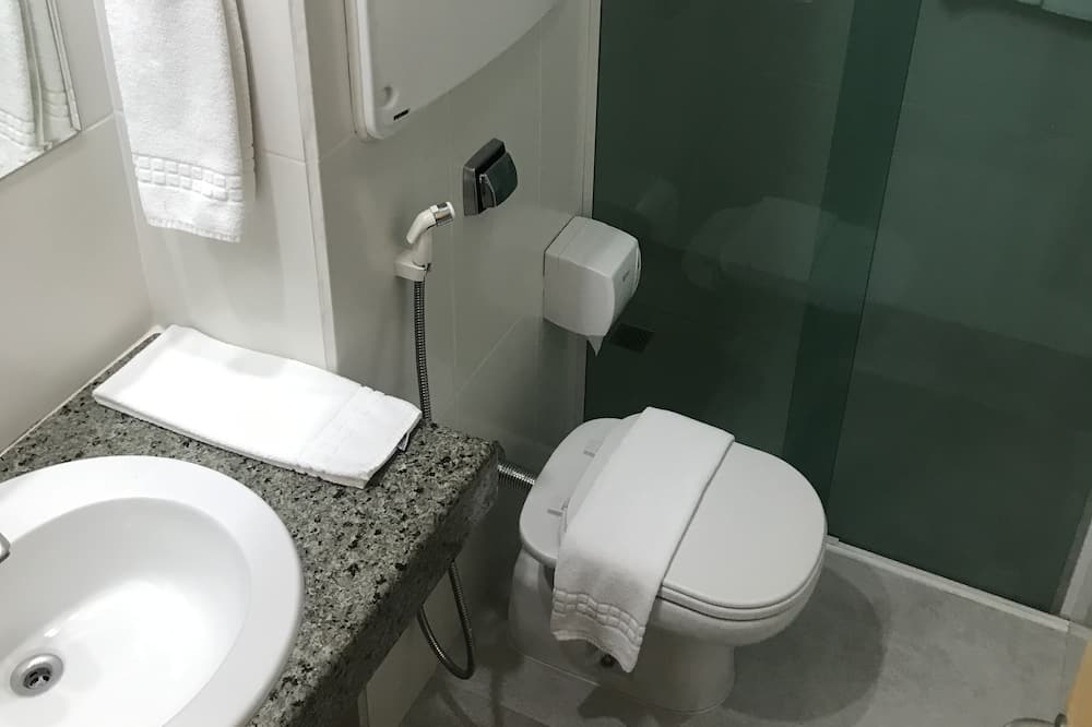 Premier Twin Room - Bathroom
