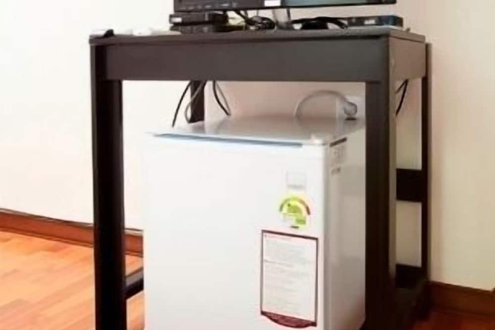 Triple Room - Mini Refrigerator