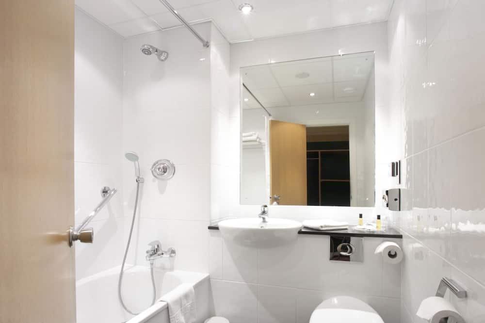 Comfort Room, 1 Queen Bed, Non Smoking - Bathroom