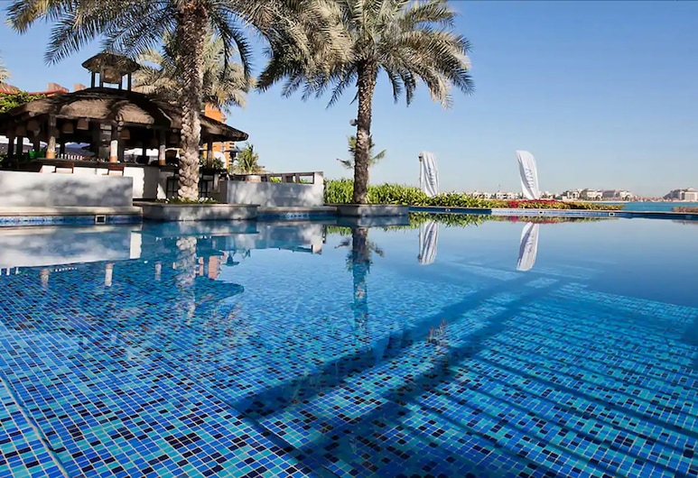 Movenpick Hotel Jumeirah Lakes Towers, Dubai, Infinity Pool