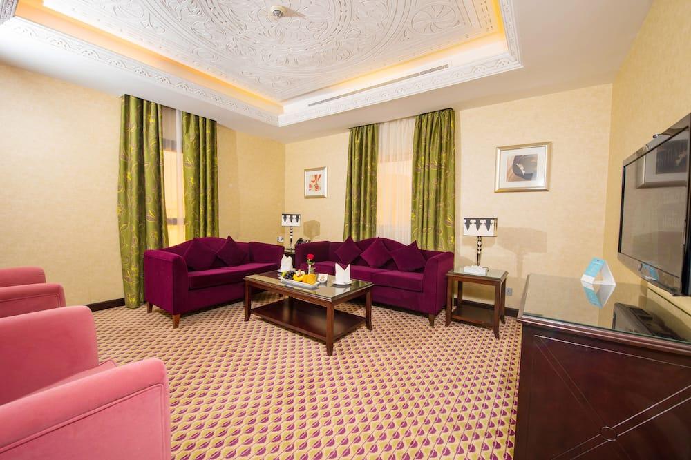 Royal-sviitti, 3 makuuhuonetta, Poreamme - Olohuone