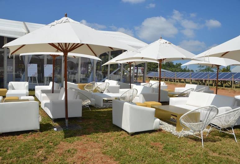 Casambo Exclusive Guest Lodge, נלספרייט, מרפסת/פטיו
