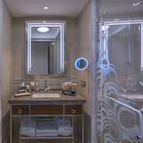 ห้องซูพีเรียดับเบิล, เตียงใหญ่ 1 เตียง, วิวเมือง - ห้องน้ำ