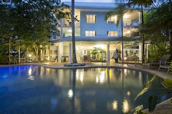 Picture of Port Douglas Outrigger Holiday Apartments in Port Douglas