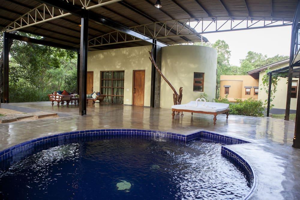 Prezidentské apartmá, 2 ložnice, propojené pokoje (Presidential Pavilion ( safari )) - Venkovní vířivka