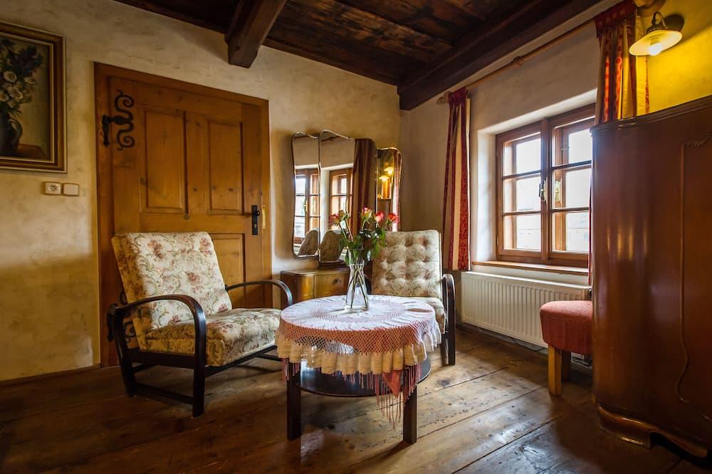 Comfort Quadruple Room, River View - Living Area