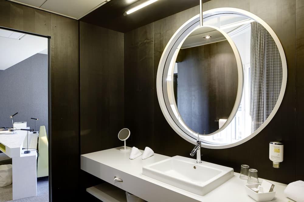 Lifestyle Junior Suite - Bathroom