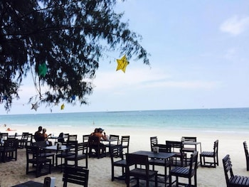 Picture of Samed Pavilion Resort & Restaurant in Rayong