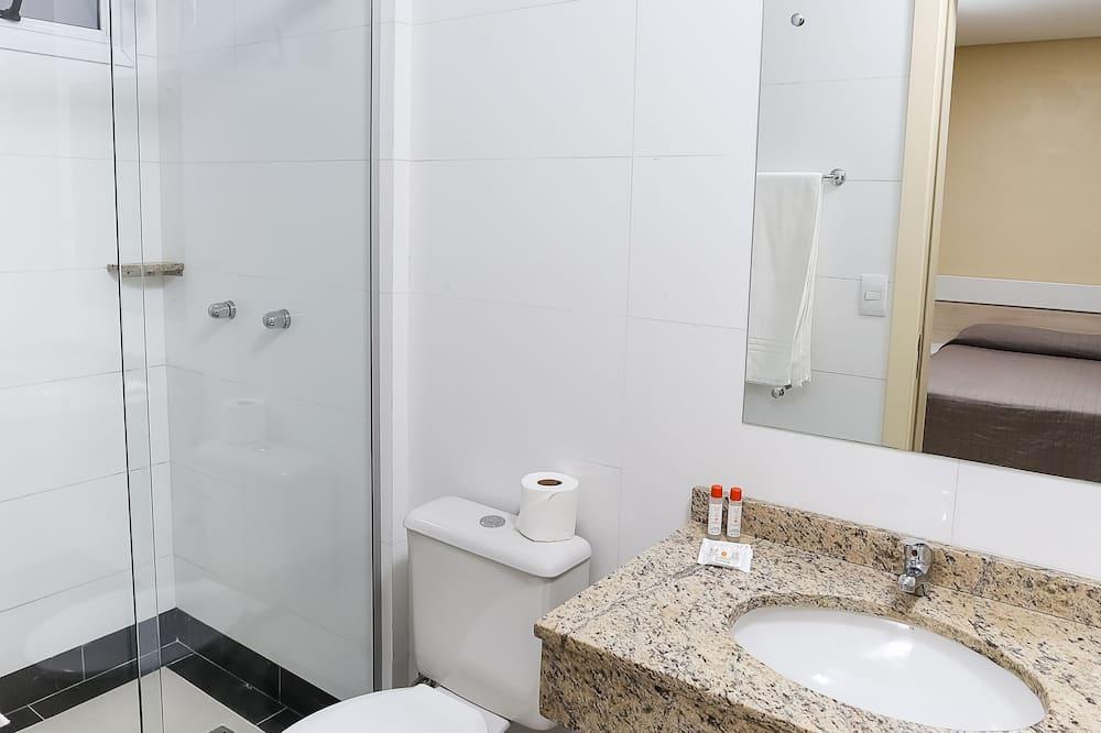 Standard Single Room, 1 Double Bed - Bathroom
