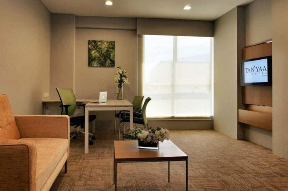 Kambarys verslo klientams, virtuvėlė (Deluxe) - Svetainės zona