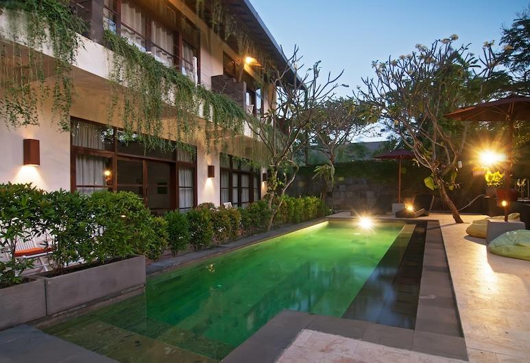 工作室飯店, 水明漾, 室外游泳池