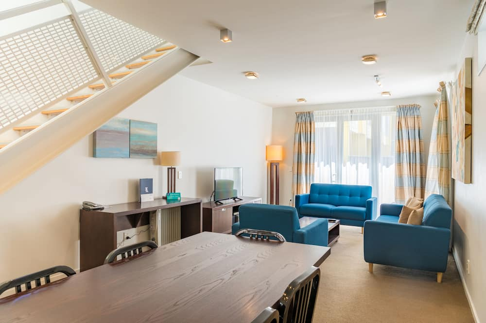 Executive Townhouse, 2 Bedrooms - In-Room Dining