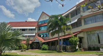 Picture of New Beach Hotel & Restaurant in Sihanoukville