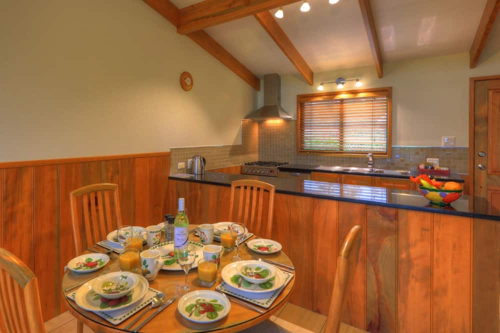 Panoramic Apartment, 1 Bedroom, Balcony, Ocean View - In-Room Dining