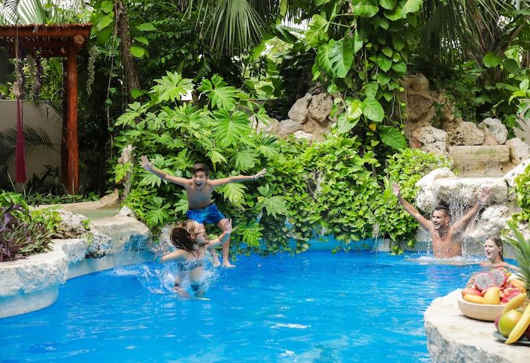 Hotel Hulku, Playa del Carmen, Pool