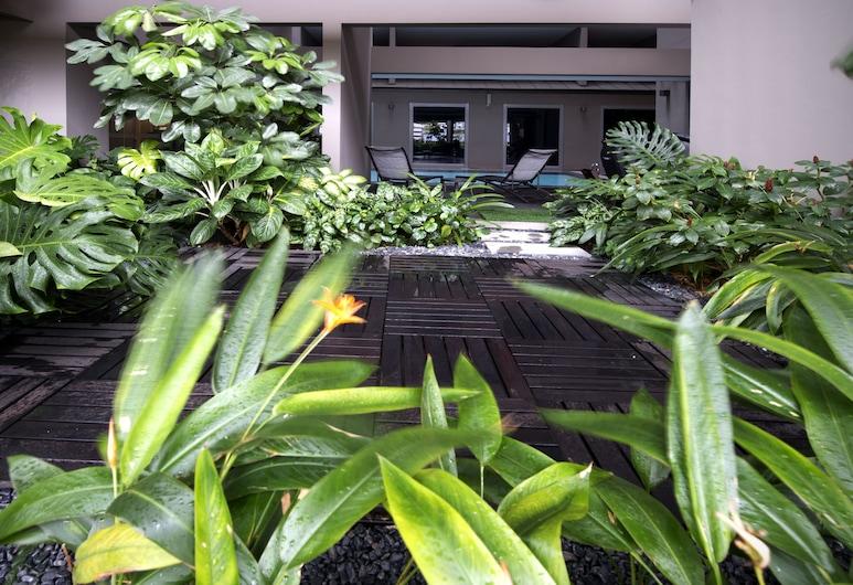 โรงแรมวี เบนคูเลน, สิงคโปร์, บริเวณโรงแรม