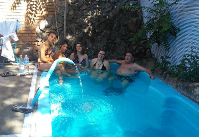 Hostel Ruca Potu, Mendoza, Outdoor Pool