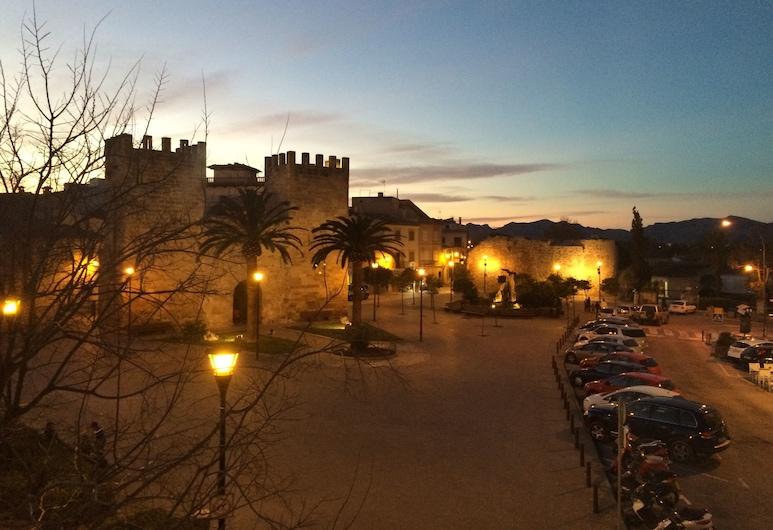 Apartamentos Carlos V, Alcudia, Hotel homlokzata - este/éjszaka