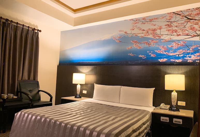 Seed hotel - Linsen Hall, Kaohsiung, Deluxe Double Room (A), Guest Room View