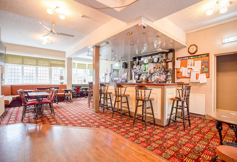 OYO The White Horse, Ripon, Bar Hotel