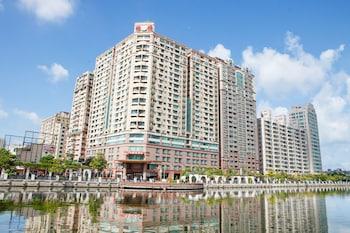 Фото Wei-Yat Grand Hotel у місті Тайнан