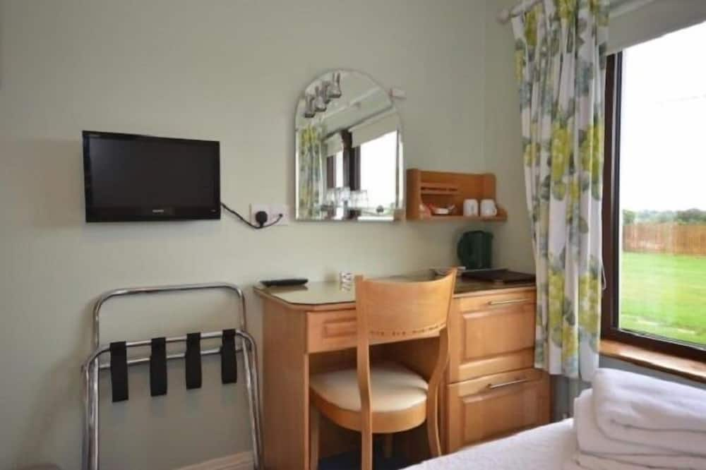 Twin Room, Ensuite - Television
