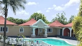 Choose This 3 Star Hotel In Negril