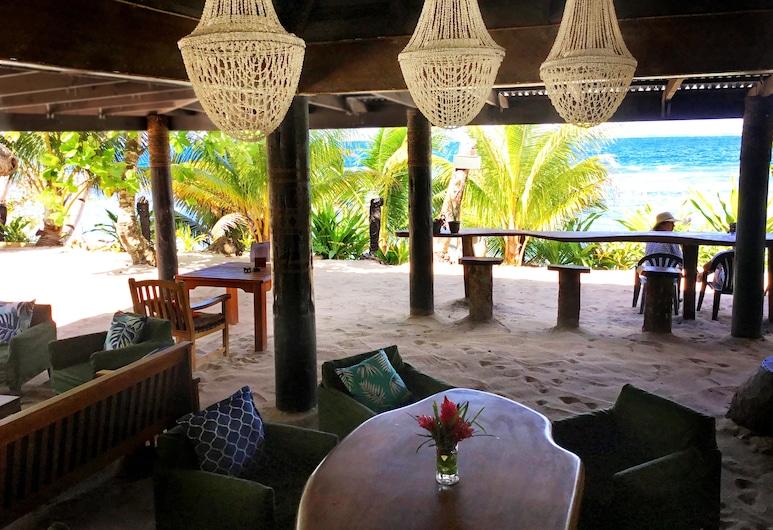 Maqai Beach Eco Resort, isla Qamea, Salón en el lobby