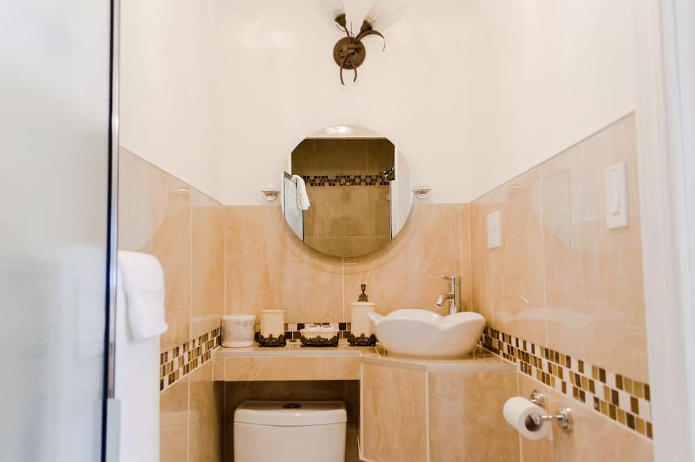 Superior Oda, 1 Büyük (Queen) Boy Yatak - Banyo