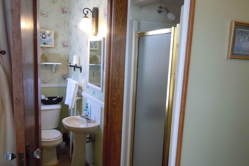 Ivy Room, 1 Queen Bed - Bathroom