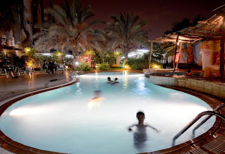 Boudl Al-Fayha'a, Riyadh, Utomhuspool