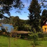 Los Juncos-Patagonian Lake House