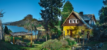 Picture of Los Juncos-Patagonian Lake House in Bariloche