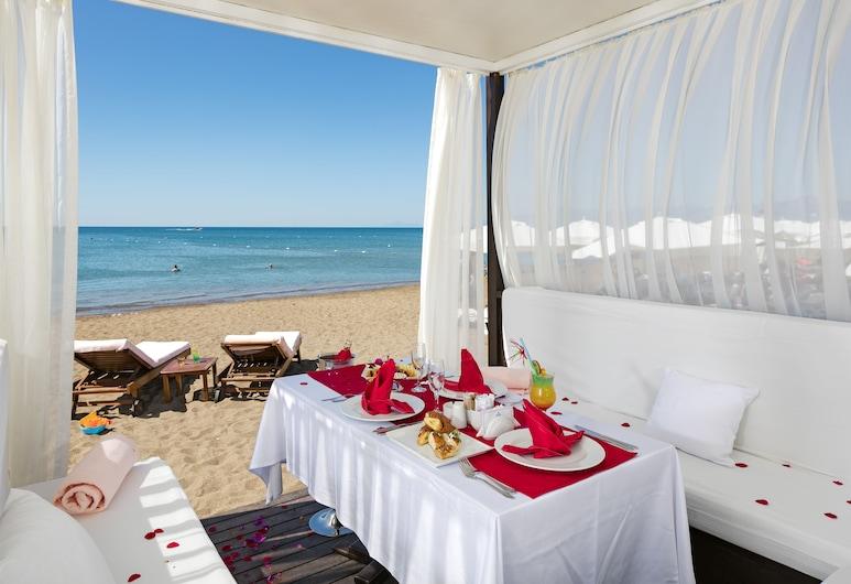 Miracle Resort Hotel - All Inclusive, Анталья, Пляж