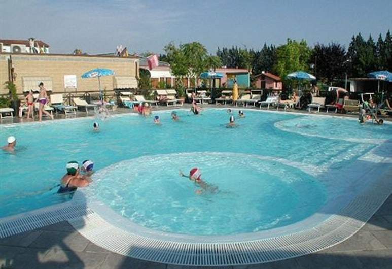 Camping Village Torre Pendente, Piza, Basen odkryty